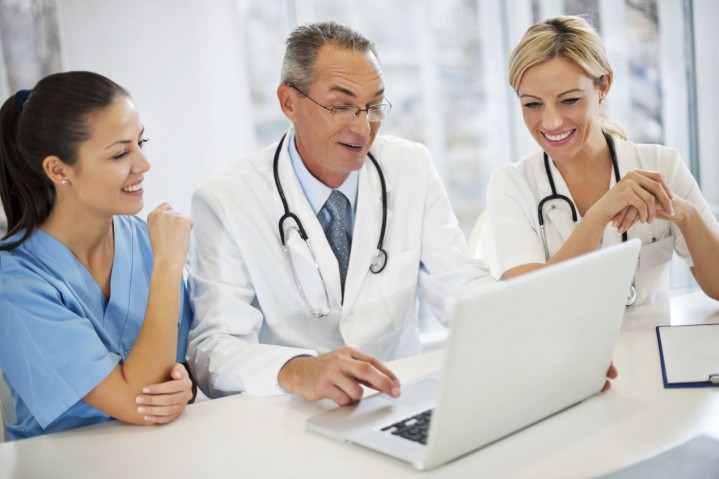 4 motivos para implementar um software em uma clínica de Medicina do Trabalho