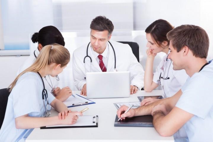 A importância da troca de informações entre profissionais da área médica