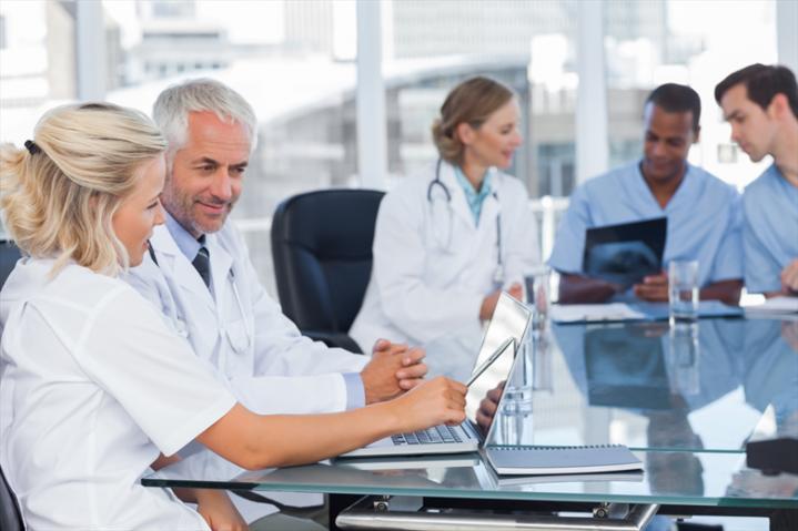 3 formas de otimizar a comunicação interna da sua clínica