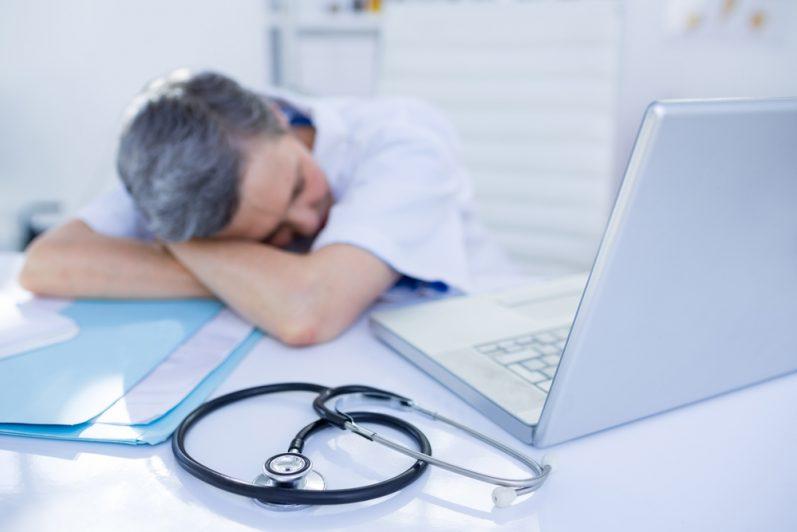 Autoprescrição médica: o que é permitido e o que não é recomendado